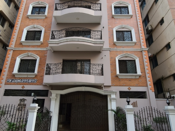 2400-sft-apartment-for-rent-in-bashundhara-a-block-1st-floor-347179