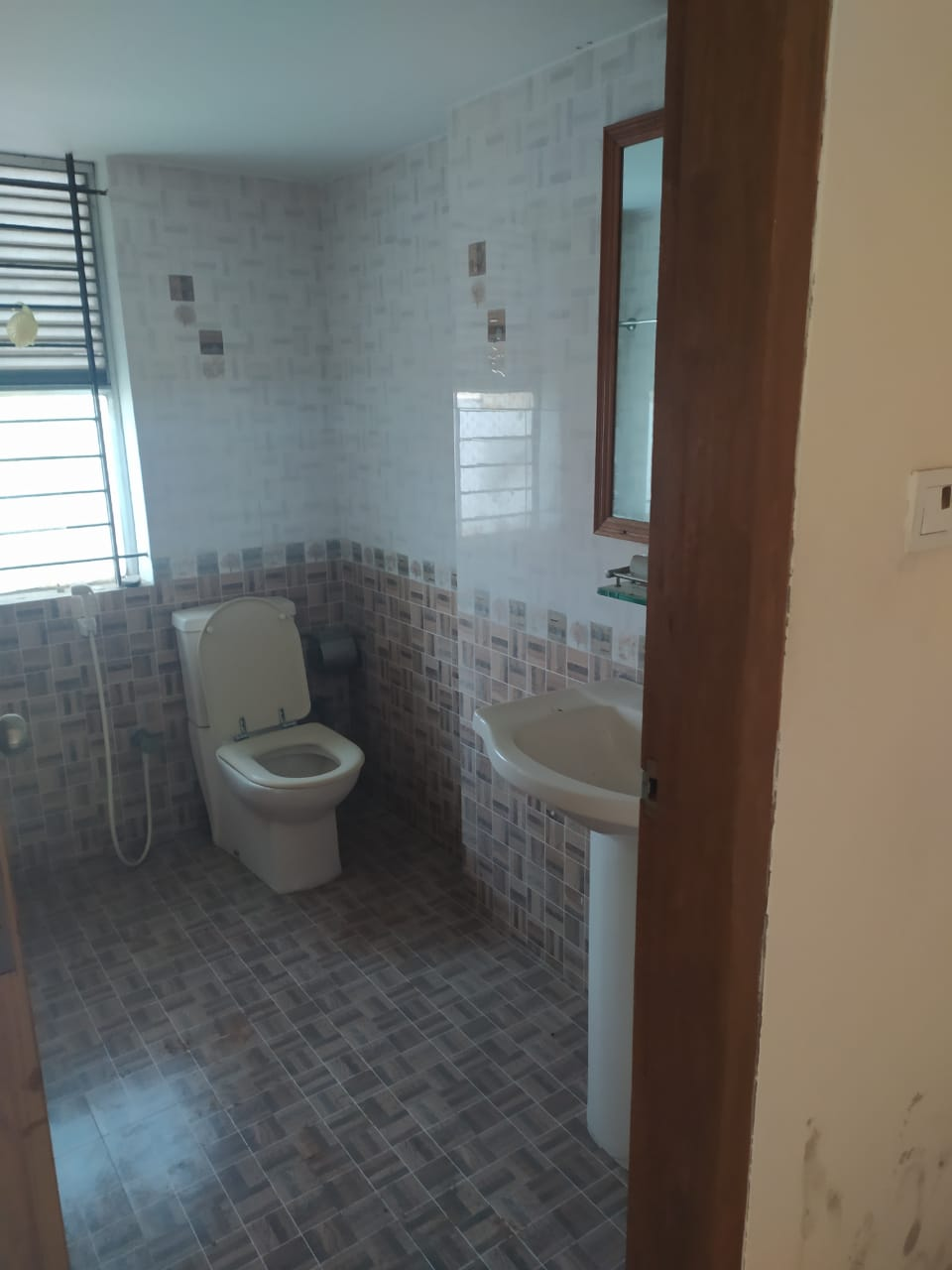 2495-sft-apartment-for-rent-in-north-khulshi-chittagong-5th-floor-812489
