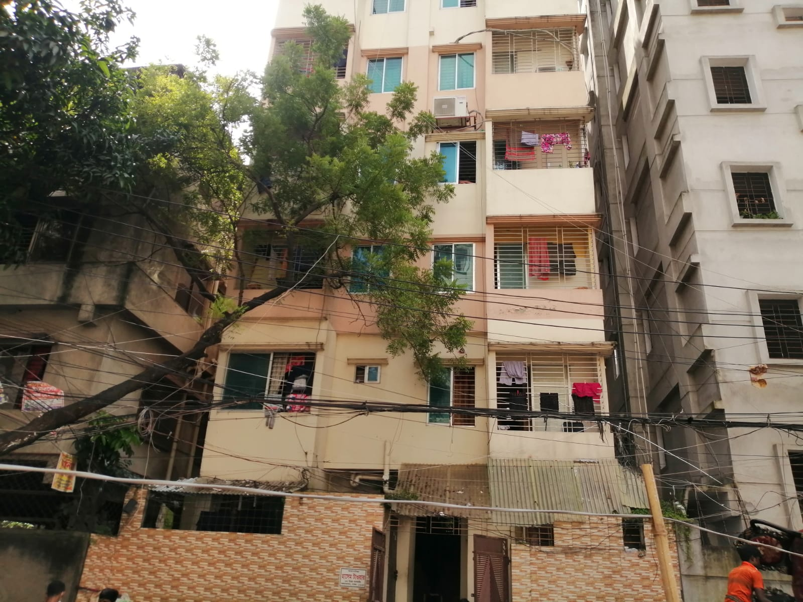 1200-sft-apartment-for-sale-in-kalabagan-6th-floor-055567